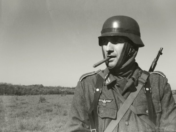 http://fuchs-aka-kira.deviantart.com/art/German-Soldier-183786943